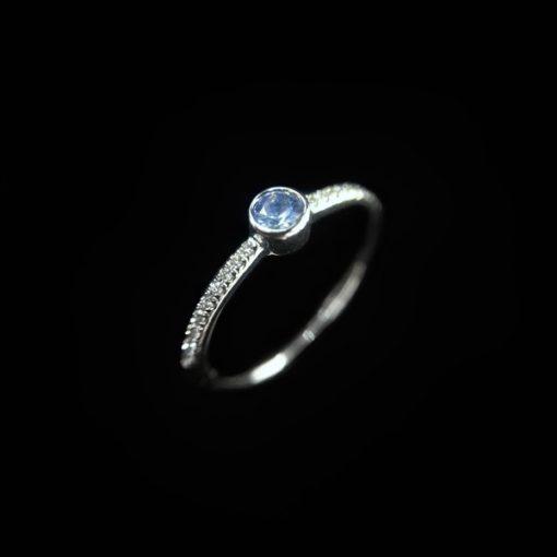 Anillo Forever Mini Oro Blanco Diamantes Zafiro