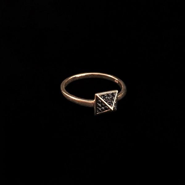 Anillo Endless de oro rosa y diamantes negros Pirámide