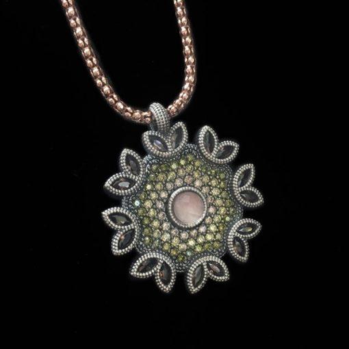 Colgante Enigma Cuarzo Rosa Circonitas Verdes