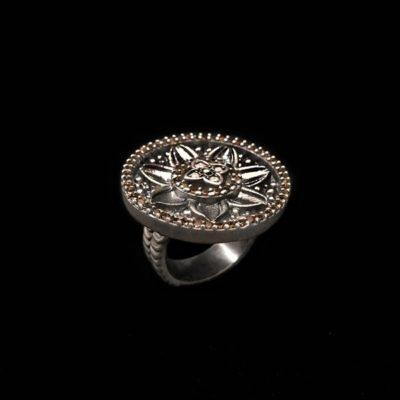 Anillo Enigma de plata y circonitas caramelo