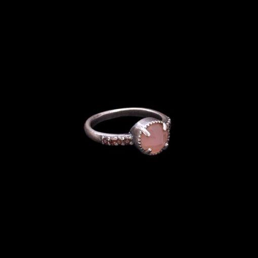 Anillo Enigma de plata y cuarzo rosa Midi