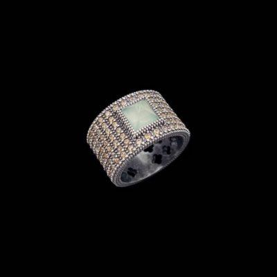 Anillo Enigma de plata y calcedonia Orisha
