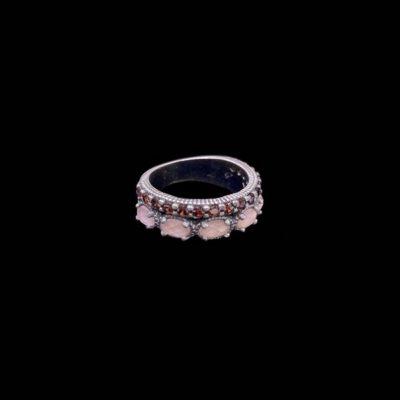 Anillo Enigma de plata y cuarzo rosa Charada