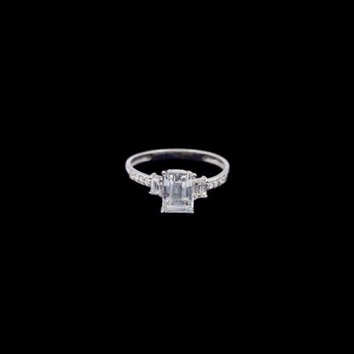 Anillo Forever de oro blanco, diamantes y topacios Nobility